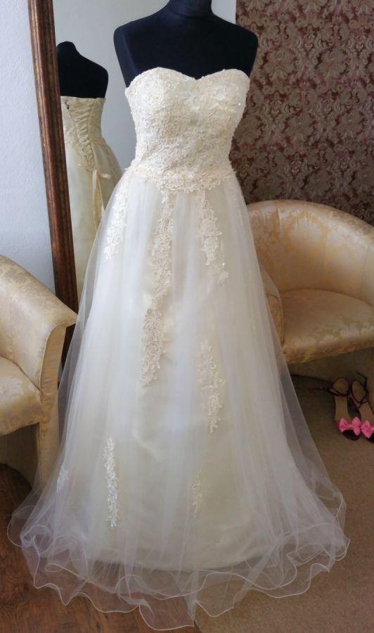 738d9a07fde pudrové champagne společenské šaty Yvettey na maturitní ples ...